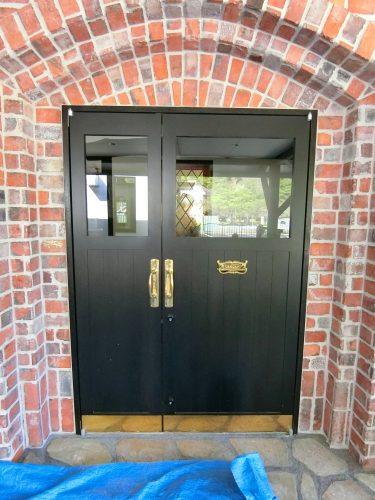 親子ドア 木製ドア 真鍮